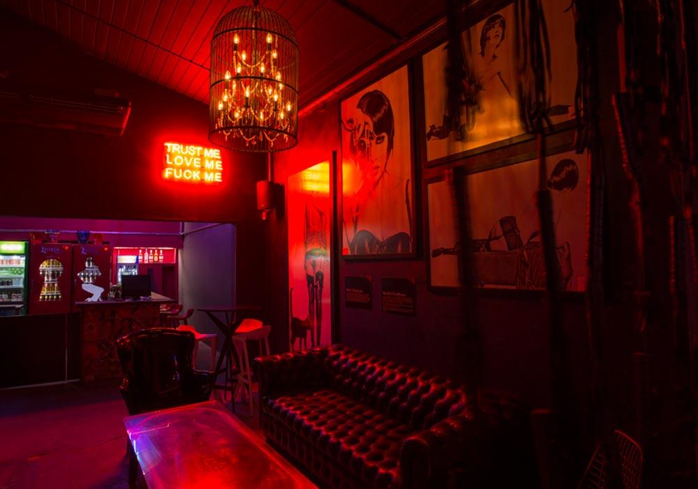 O Valen Bar 18+